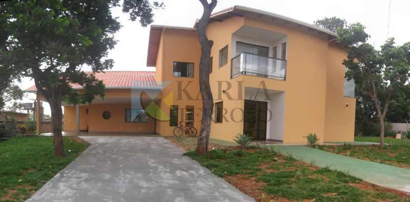 Casa a venda 4 suites 4 vagas garagem Condomínio São Francisco 1 DF 140 Tororó