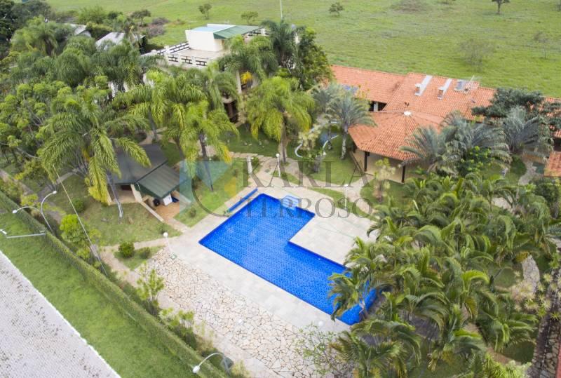 Casa a venda com casa 10 suítes piscina churrasqueira Mansões Flamboyants DF 140 Jardim Botânico Brasilia