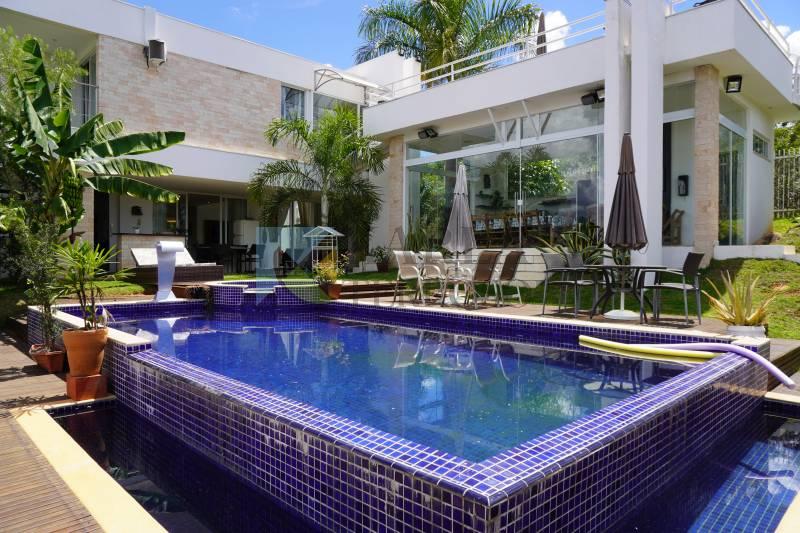 Casa 3 suítes piscina churrasqueira Condomínio Residencial Santa Monica DF 140