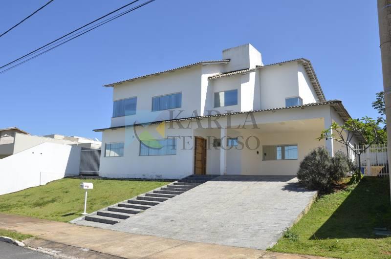 Casa a venda 4 quartos 3 suítes 2 garagens Reserva Santa Monica DF 140 Brasília